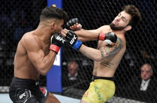 Bruno Bulldoguinho mostra raça, mas é finalizado por Khalid Taha na sua primeira luta no UFC