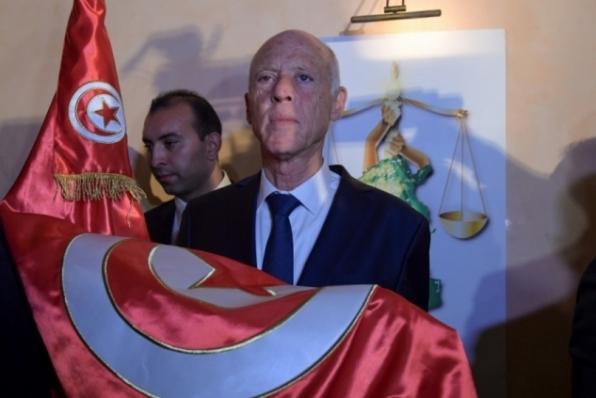 Jurista Kais Saied é eleito presidente da Tunísia com quase 77% dos votos, indica projeção