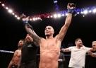 Charles do Bronx faz a festa no UFC Brasília e finaliza Kevin Lee
